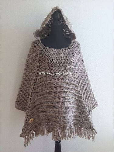PATR0969 - Square poncho with hood