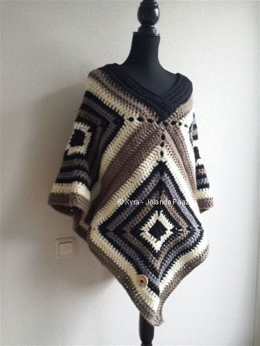 PATR0988 - haakpatroon - Poncho squares