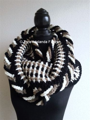 PATR1005 - Scarf / Cowl / Col / Shawl with loops