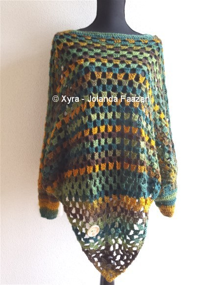 Free Crochet Pattern Poncho With Sleeves : PATR1030 - Poncho with sleeves and hood - Xyra Creaties