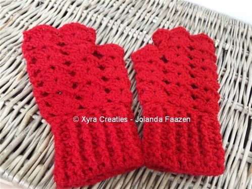 PATR1043 - Fingerless gloves