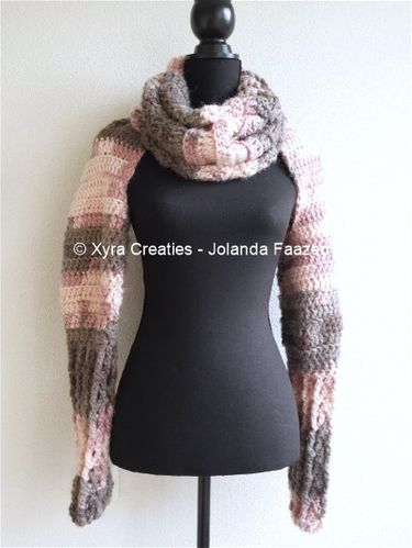 PATR1056 - Scarf with sleeves