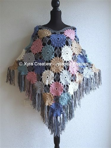 PATR1078 - Poncho with circles / flowers