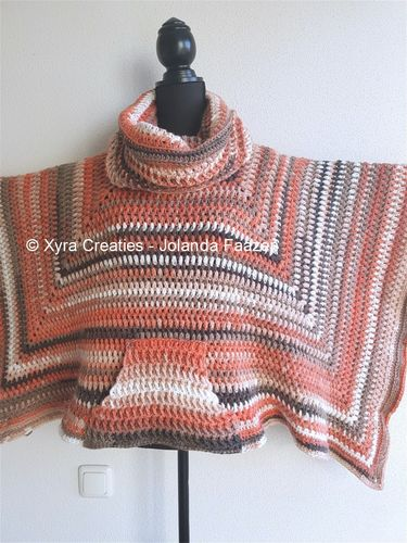 PATR1088 - Square/straight poncho with pocket and loose cowl