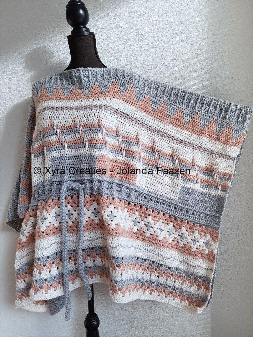 Patr1119 Rechte Poncho One Size Xyra Creaties