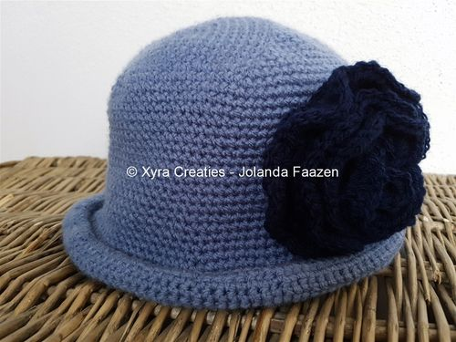 PATR1123 - Cap - hat with flower - one size fits most